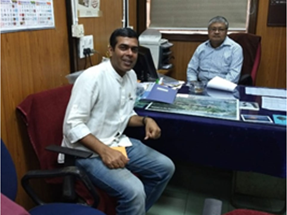 Dr. Rajdeep Chowdhury interacting with Dr. Subir Dasgupta, HOD, Zoology